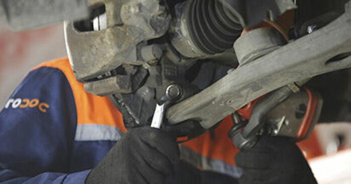 Kuinka poistaa MAZDA 3 1.4 2007 -auton Alatukivarsi - helposti seurattavat online-ohjeet