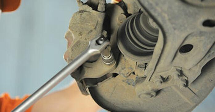 Audi 80 b4 2.0 E 1993 Jarrulevyt vaihto: ilmaiset korjaamokäsikirjat