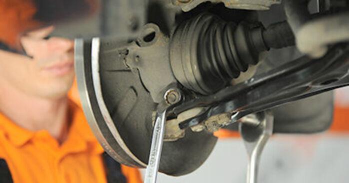 Podrobná doporučení pro svépomocnou výměnu Audi 80 b4 1992 2.3 E quattro Rameno Zavesenia Kolies