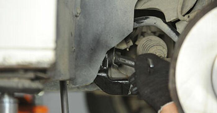 Austauschen Anleitung Querlenker am VW T5 Pritsche 2013 2.5 TDI selbst