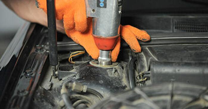 AUDI 80 2.0 E 16V quattro Poduszka Amortyzatora wymiana: przewodniki online i samouczki wideo
