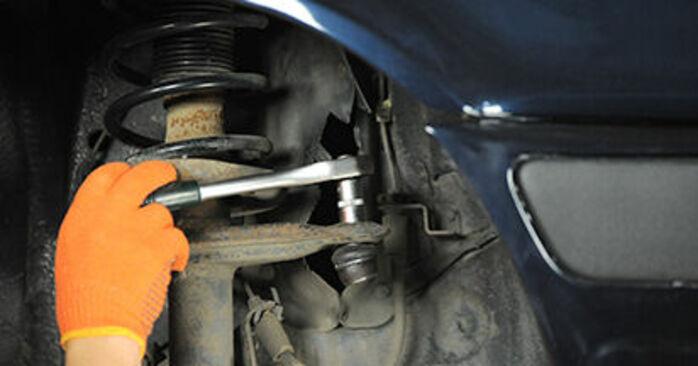 Αλλάζοντας Βάση Αμορτισέρ σε AUDI 80 Sedan (8C2, B4) 2.3 E 1994 μόνοι σας