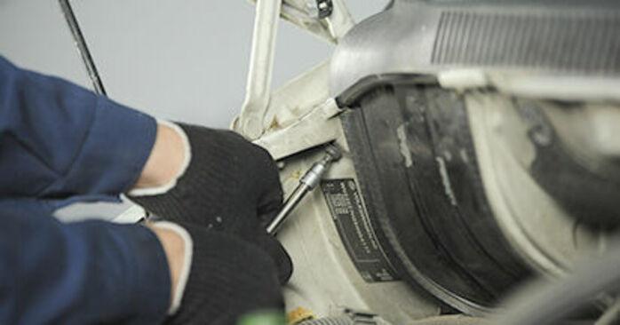Changer Coupelle d'Amortisseur sur VW Transporter V Сamion à Plateau / Сhâssis (7JD, 7JE, 7JL, 7JY, 7JZ, 7FD) 2.0 TDI 2006 par vous-même