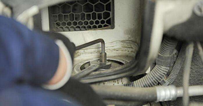 VW TRANSPORTER 2010 Coupelle d'Amortisseur manuel de remplacement étape par étape
