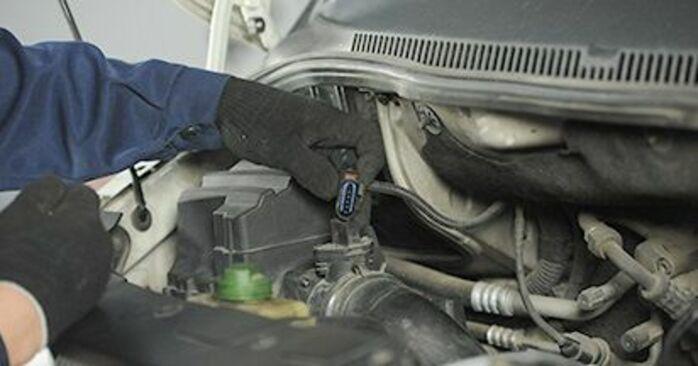 Comment remplacer Coupelle d'Amortisseur sur VW Transporter V Сamion à Plateau / Сhâssis (7JD, 7JE, 7JL, 7JY, 7JZ, 7FD) 2008 : téléchargez les manuels PDF et les instructions vidéo