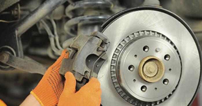 Bremsscheiben Ihres Volvo XC90 1 2.4 D5 2010 selbst Wechsel - Gratis Tutorial