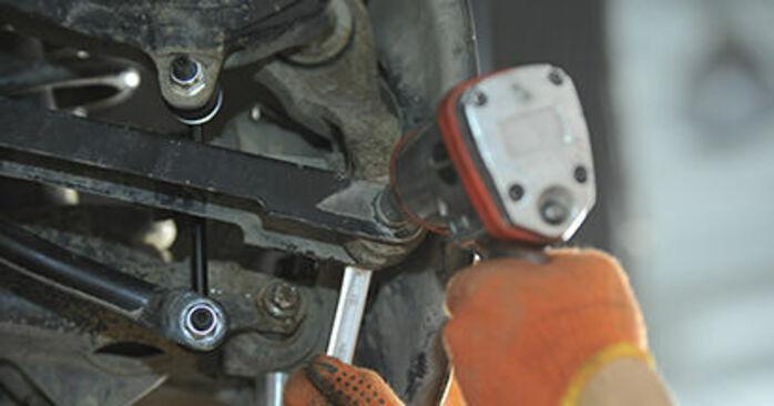Jak zdjąć VOLVO XC90 3.2 AWD 2006 Łożysko koła - łatwe w użyciu instrukcje online
