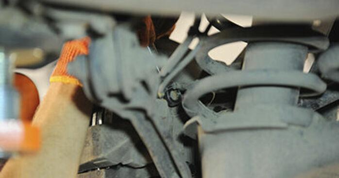 VOLVO XC90 2.5 T AWD Radlager ausbauen: Anweisungen und Video-Tutorials online