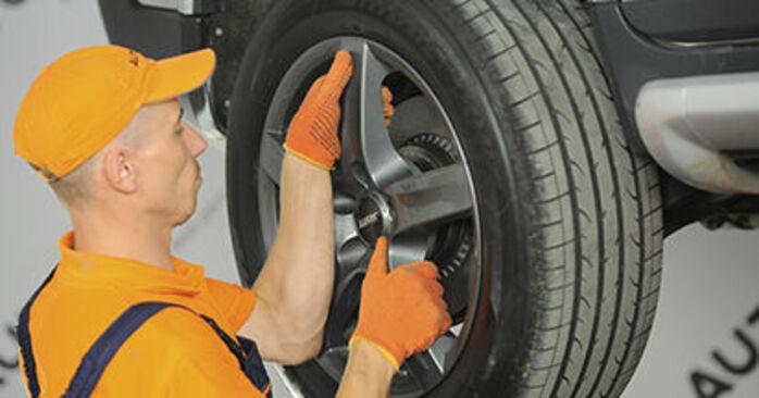 Wymień samodzielnie Łożysko koła w Volvo XC90 1 2012 2.4 D5