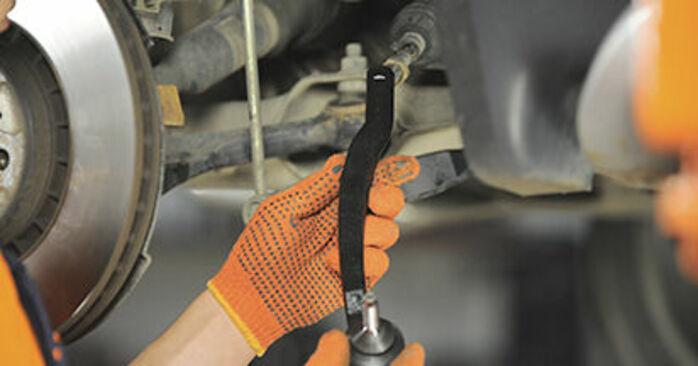 Spurstangenkopf am VOLVO XC90 I (275) 2.4 D5 AWD 2007 wechseln – Laden Sie sich PDF-Handbücher und Videoanleitungen herunter