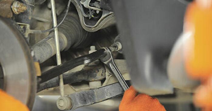 Spurstangenkopf beim VOLVO XC90 2.5 AWD 2009 selber erneuern - DIY-Manual