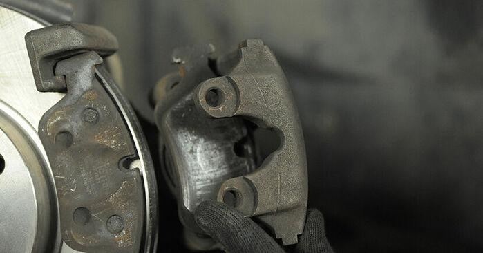 Πώς να αντικαταστήσετε Τακάκια Φρένων σε BMW 3 Compact (E36) 1999: κατεβάστε εγχειρίδια PDF και βίντεο οδηγιών