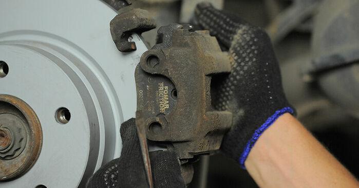 Bremsbeläge am BMW 3 Compact (E36) 318ti 1.8 1999 wechseln – Laden Sie sich PDF-Handbücher und Videoanleitungen herunter