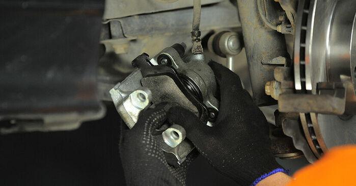 Austauschen Anleitung Bremssattel am BMW E36 Compact 1997 316i 1.6 selbst