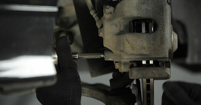 Wechseln Bremssattel am BMW 3 Compact (E36) 318ti 1.9 1997 selber