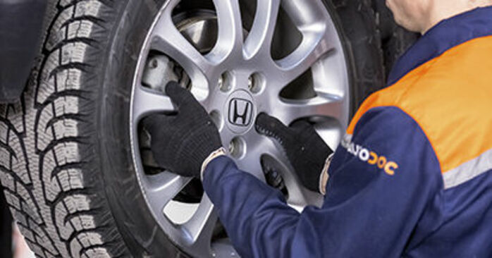 How to replace HONDA CR-V III (RE) 2.2 i-CTDi 4WD (RE6) 2007 Brake Discs - step-by-step manuals and video guides