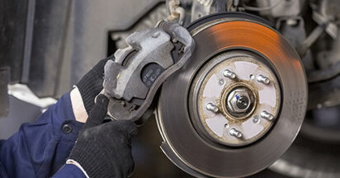 How to remove HONDA CR-V 2.4 i-VTEC 4WD (RE7) 2010 Brake Discs - online easy-to-follow instructions