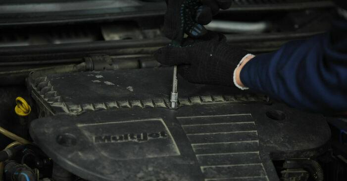 Wechseln Luftfilter am FIAT PUNTO (188) 1.9 JTD 80 2002 selber