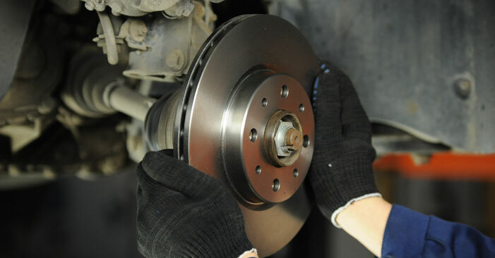 Changing Brake Discs on FIAT PUNTO (188) 1.9 JTD 80 2002 by yourself