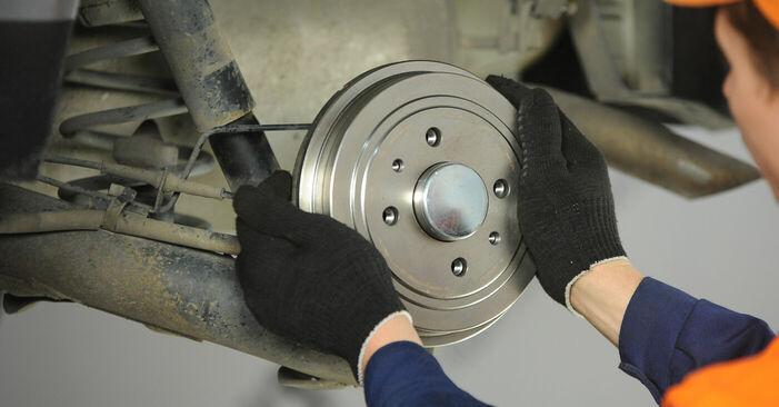 Comment changer Roulement De Roues sur FIAT PUNTO (188) 2011 - trucs et astuces