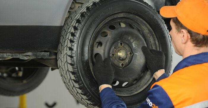 Ako vymeniť FIAT PUNTO (188) 1.2 60 2000 Lozisko kolesa – návody a video tutoriály krok po kroku.
