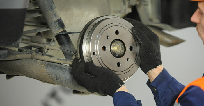 Changer Roulement De Roues sur FIAT PUNTO (188) 1.9 JTD 80 2002 par vous-même