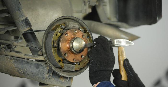 Ako odstrániť FIAT PUNTO 1.9 JTD 2003 Lozisko kolesa - online jednoduché inštrukcie