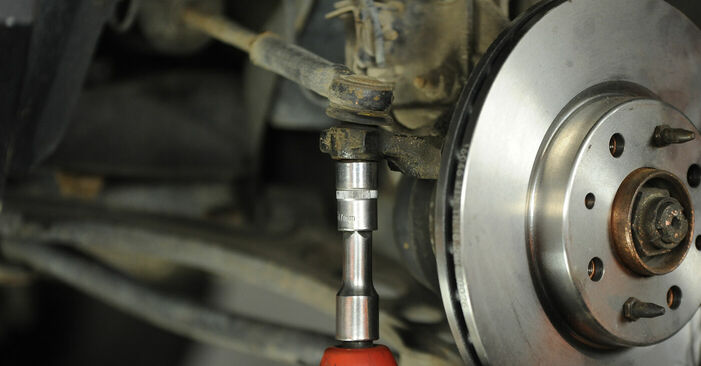 Modifica Testina dello Sterzo su FIAT PUNTO (188) 1.9 JTD 80 2002 da solo