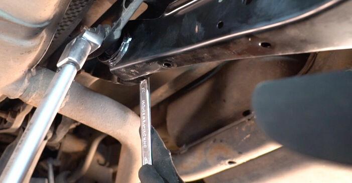 Byt Golf V Hatchback (1K1) 2.0 TDI 16V 2007 Länkarm – gör det själv med verkstadsmanual