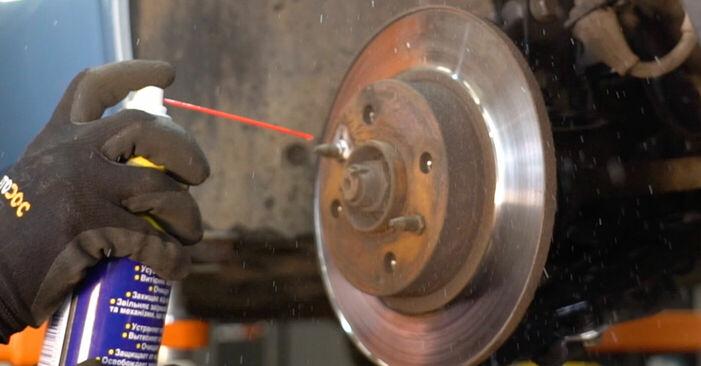 FIAT PUNTO 1.2 Bifuel Bremsscheiben ausbauen: Anweisungen und Video-Tutorials online