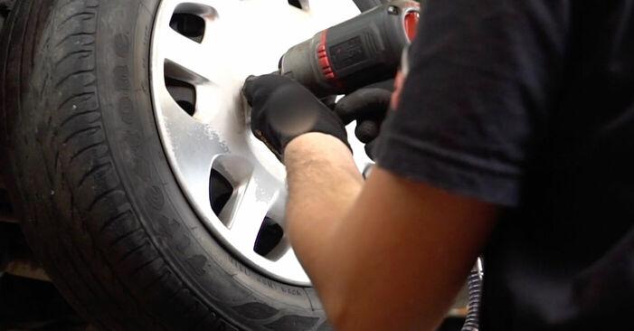 Wie Bremsscheiben FIAT PUNTO (188) 1.2 16V 80 2000 austauschen - Schrittweise Handbücher und Videoanleitungen