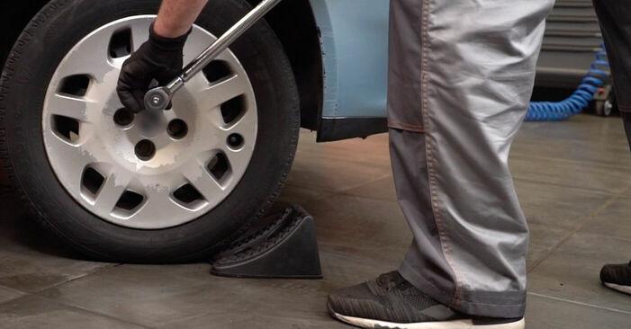 Bremsscheiben Fiat Punto 188 1.3 JTD 16V 2001 wechseln: Kostenlose Reparaturhandbücher
