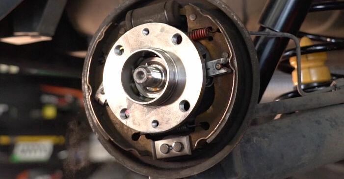 Come cambiare Cuscinetto Ruota su FIAT PUNTO (188) 2011 - suggerimenti e consigli