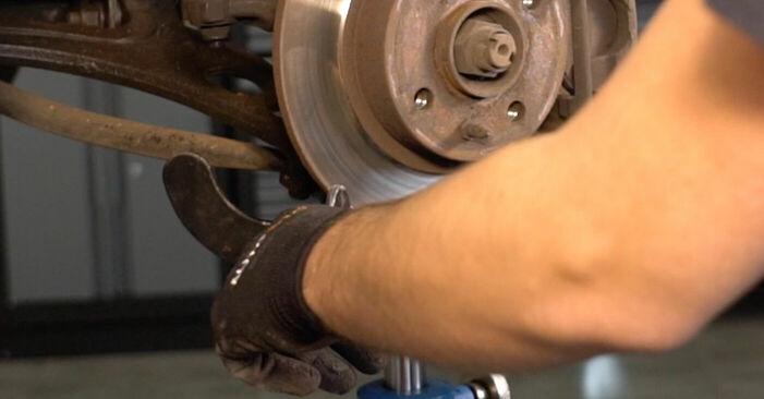 Sostituzione di FIAT PUNTO 1.9 DS 60 Ammortizzatori: guide online e tutorial video