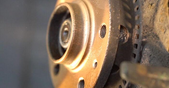 VW GOLF IV (1J1) 2000 Bremsscheiben - Anleitung zum selber Austauschen