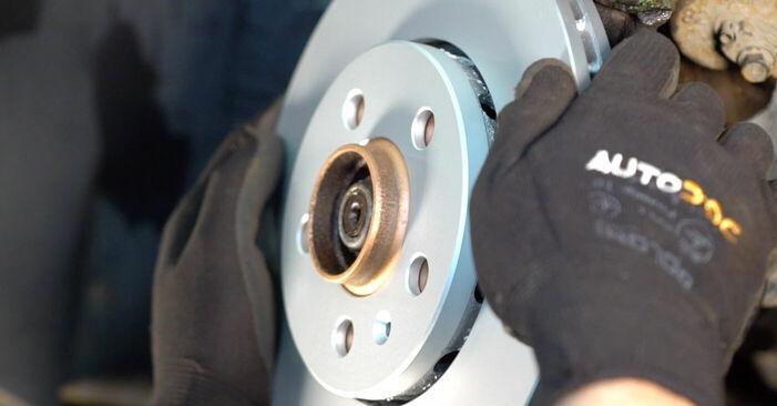 Zweckdienliche Tipps zum Austausch von Bremsscheiben beim VW GOLF IV (1J1) 1.6 16V 2002