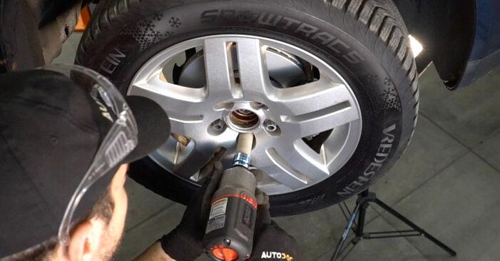 VW GOLF 1.9 TDI Bremsscheiben ausbauen: Anweisungen und Video-Tutorials online
