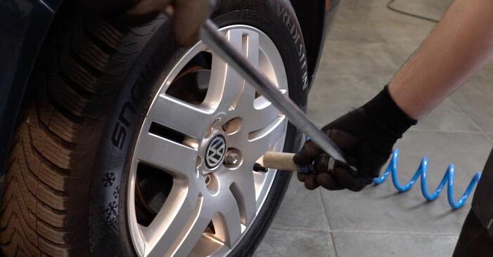 Wie man VW GOLF IV (1J1) 1.4 16V 1998 Bremsscheiben austauscht - Schritt-für-Schritt-Tutorials und Videoanleitungen