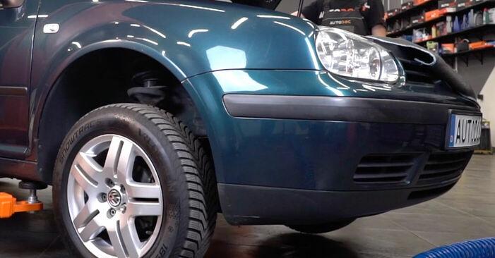 Golf 4 1.6 1999 Bremsscheiben wechseln: Gratis Reparaturanleitungen