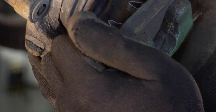 VW GOLF 1.9 TDI Bremsbeläge ausbauen: Anweisungen und Video-Tutorials online