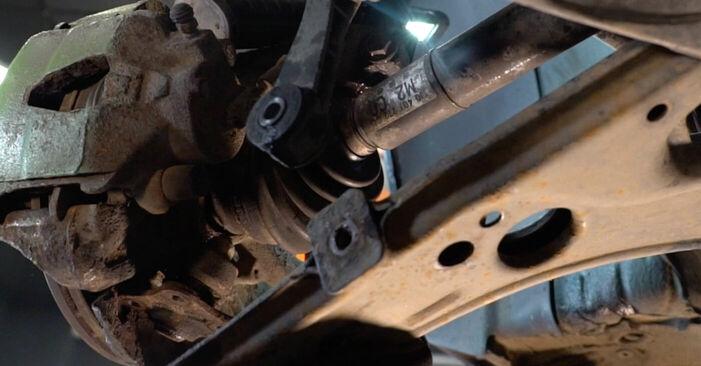 Wie man Querlenker am VW Golf IV Schrägheck (1J1) 2000 wechselt - Hinweise und Ratschläge
