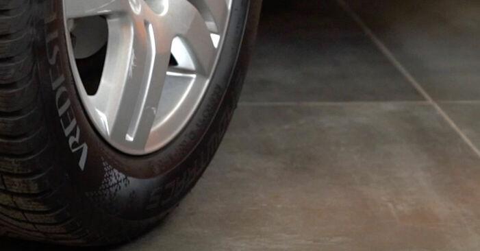 Cambie Pastillas De Freno en un VW Golf IV Hatchback (1J1) 1.9 TDI 2000 usted mismo