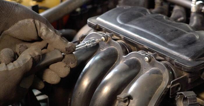 Zweckdienliche Tipps zum Austausch von Zündkerzen beim VW GOLF IV (1J1) 1.6 16V 2002