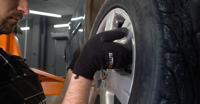 Så tar du bort VW GOLF 2.0 TDI 16V 2007 Styrled – instruktioner som är enkla att följa online