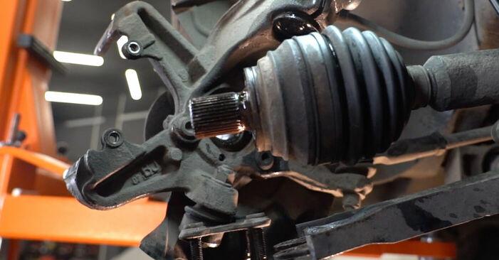Hoe Wiellager VW GOLF V (1K1) 1.9 TDI 2004 vervangen – stap voor stap leidraden en video-tutorials
