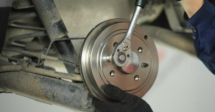 Как се сменя Колесен цилиндър на Fiat Punto 188 1999 - безплатни PDF и видео уроци