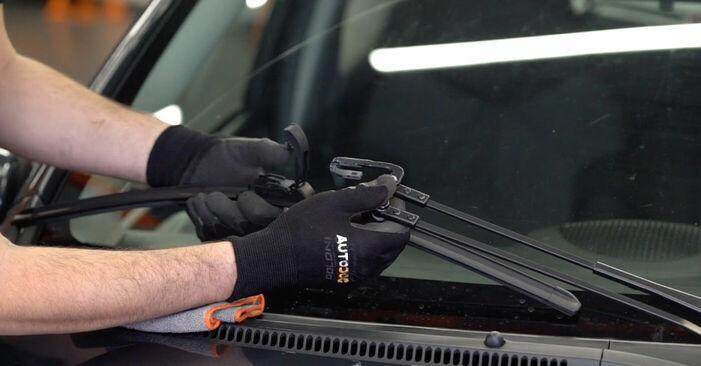 Scheibenwischer Toyota Aygo ab1 1.0 GPL (KGB10_) 2007 wechseln: Kostenlose Reparaturhandbücher
