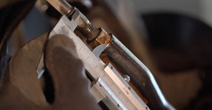 Schritt-für-Schritt-Anleitung zum selbstständigen Wechsel von Toyota Aygo ab1 2008 1.4 HDi Spurstangenkopf