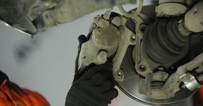 How to remove FIAT PUNTO 1.9 JTD 2003 Wheel Bearing - online easy-to-follow instructions