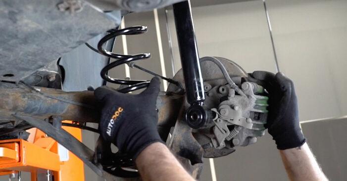 Înlocuirea de sine stătătoare VW Golf IV Hatchback (1J1) 1.6 16V 2002 Arc spirala - tutorialul online